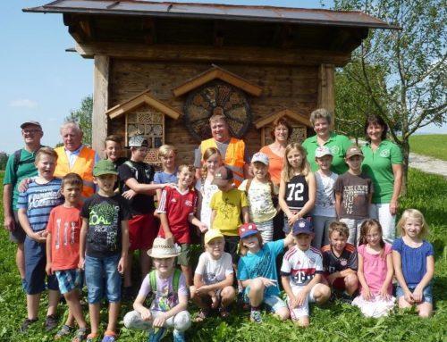 Besuch bei der Honigfamilie Freilinger in der Hofmark