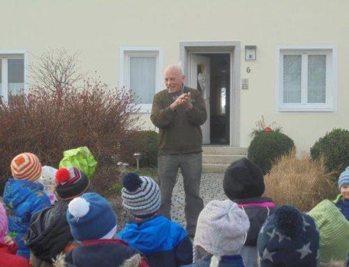 Kinder der Kita gratulierten Georg Maierhofer zum Geburtstag