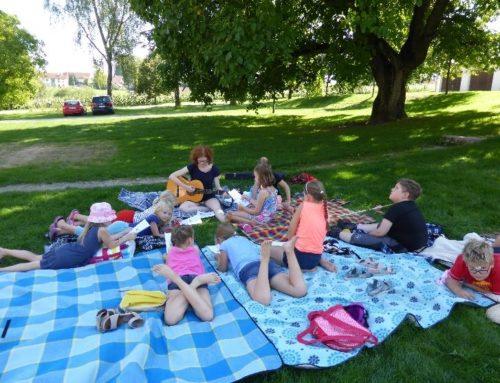 Sommer- und Gute-Laune-Lieder beim Ferienprogramm