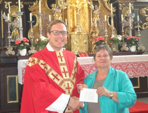 Pfarrgemeinderat spendete für Oberbergkirchner Kirche