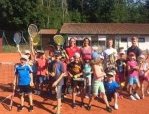 Grundschüler schnupperten beim Tennis