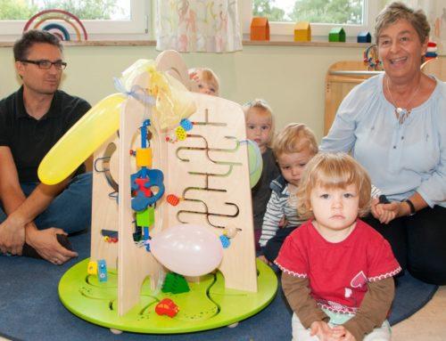 Kinderkrippe Zangberg erhielt neues Spielgerät vom Kinderförderverein