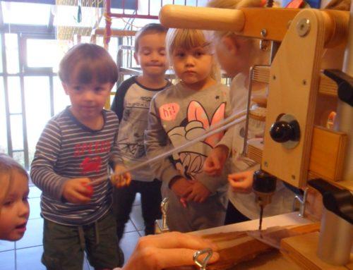 Haus der Kinder in Oberbergkirchen erhielt neues Werkzeug