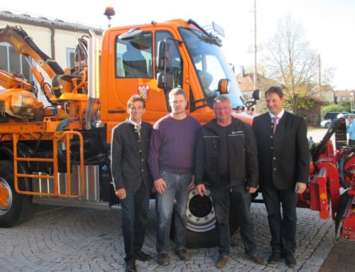 Gemeinde Lohkirchen mit neuem Unimog