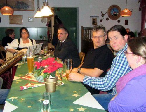 Pfarrei Aspertsham feierte Advent mit Senioren