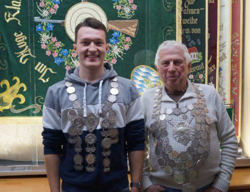 Schützenverein Oberbergkirchen mit neuen Königen