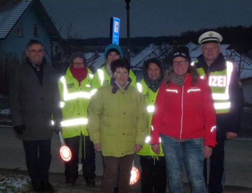 Neue Schulweghelfer in Oberbergkirchen eingewiesen