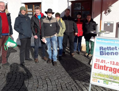 Infostand in Oberbergkirchen zum Volksbegehren Artenvielfalt
