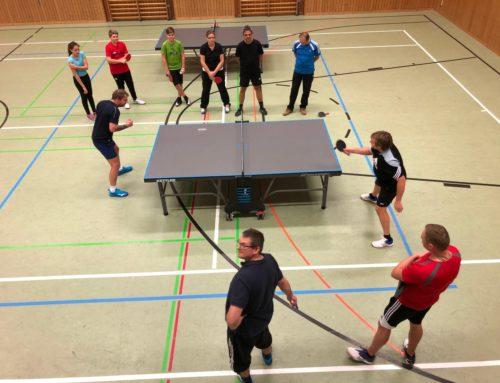 Tischtennistraining in Oberbergkirchen mit erfolgreichen Niederbergkirchner Spielern