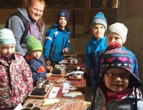 Lohkirchner Früchdal lernten umweltgerechtes Garteln