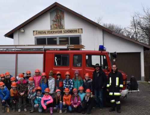 Grundschüler besuchten Feuerwehr in Schönberg