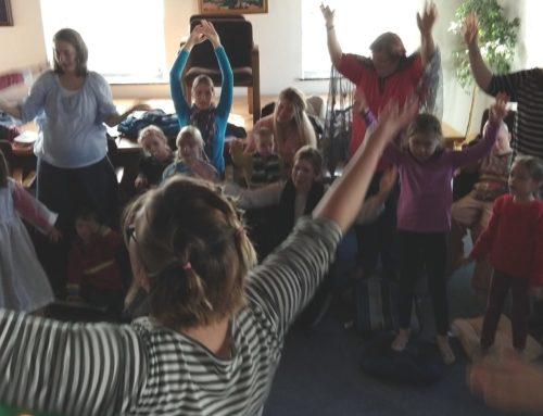 Kinderkirche von Oberbergkirchen feiert ersten Geburtstag