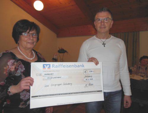 Schönberger Frauengemeinschaft spendete an Kinderschutzbund