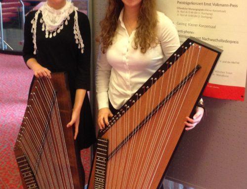 Musikfreunde präsentieren Zitherschülerinnen bei internationalem Wettbewerb