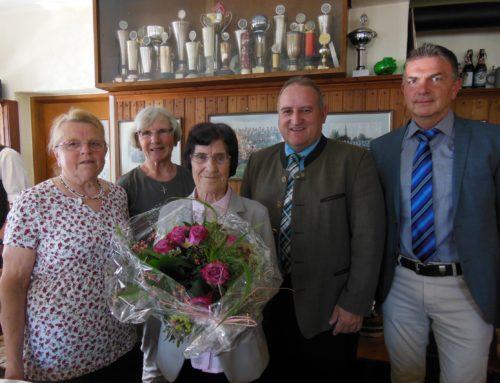 Hedwig Peteratzinger feierte 85. Geburtstag