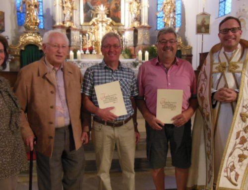 Schönberger Kirchenchor ehrte langjährige Sänger