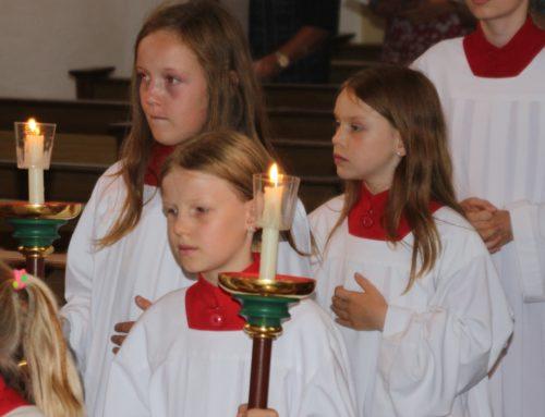 Pfarrei Lohkirchen begrüßte neue Ministranten
