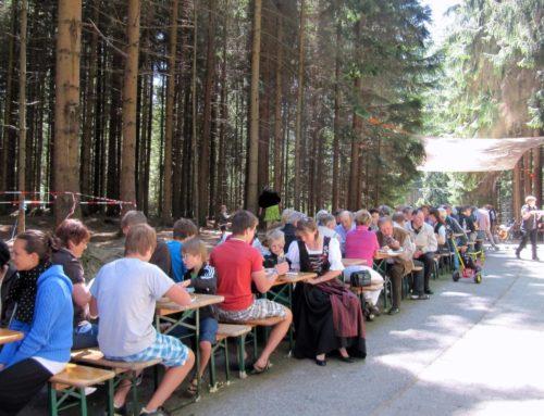 Aspertshamer Johannesschützen und Feuerwehr feierten Waldfest