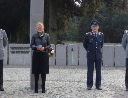 KSK-Mitglieder aus VG-Bereich besuchten Soldatenfriedhof in Ysselsteyn, Niederlande