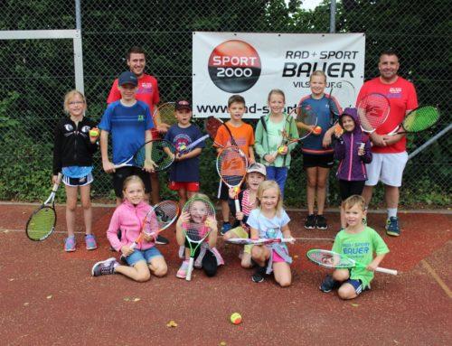 Tennis-Schnuppertraining-für-Kinder-und-Jugendliche-und-Doppel-Turnier