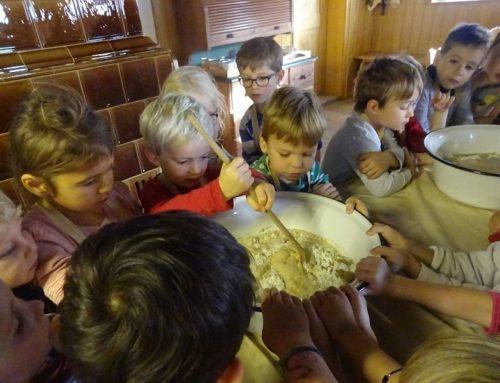 Kita Lohkirchen fuhr zum Brotbacken nach Massing