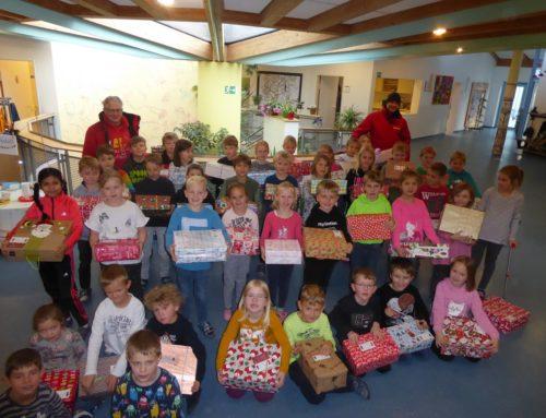 Grundschule Oberbergkirchen verschickte Geschenke mit Herz