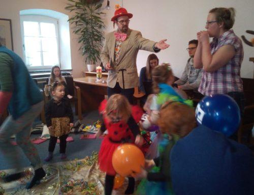 Oberbergkirchner Kinderkirche feierte das Lachen