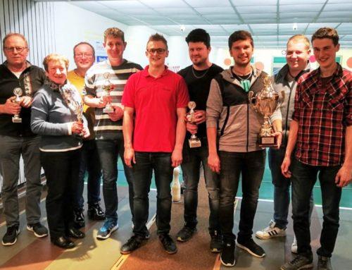 Lohkirchner Ortsvereine traten zum Kegelturnier an