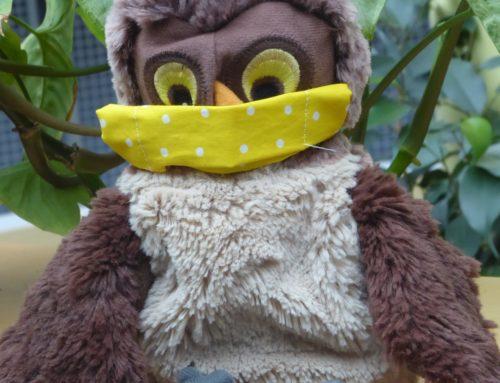 Maskottchen der Ersten Klasse trägt nun auch Nase-Mund-Schutz