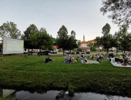 Open-Air-Kino in Zangberg veranstaltet