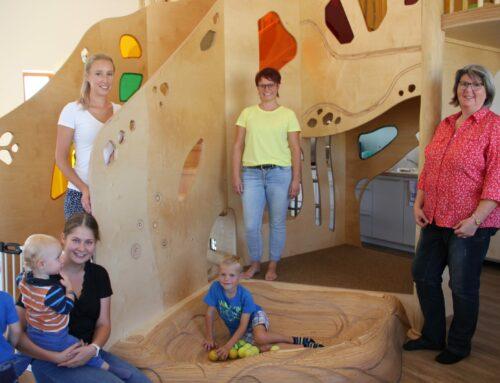 Spende für Haus der Kinder Oberbergkirchen durch Kinderkleiderbazar-Team