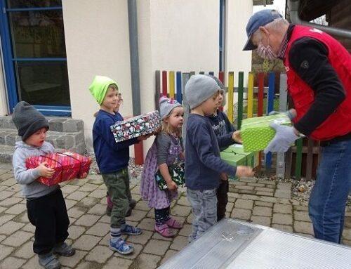 Lohkirchner Kindertagesstätte engagiert sich bei Weihnachtspäckchenaktion