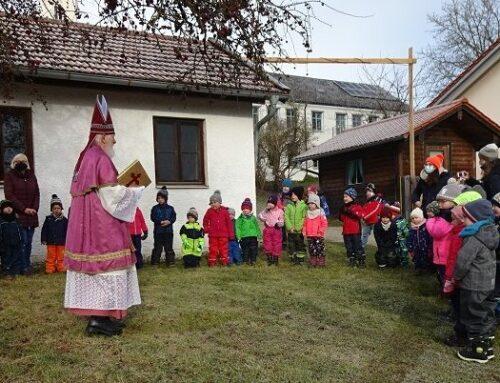 Lohkirchner Kindertagesstätte erhielt Nikolausbesuch