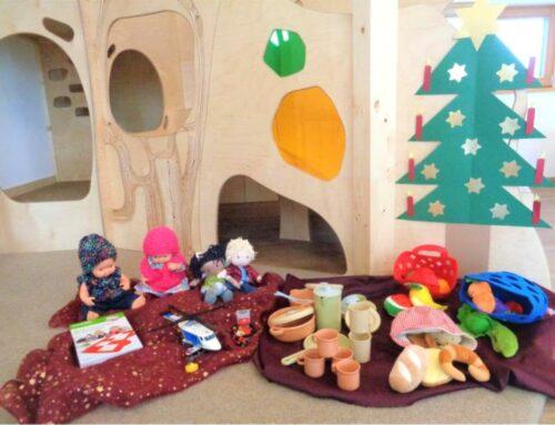 Weihnachtsgeschenke vom Christkind für das Haus der Kinder in Oberbergkirchen