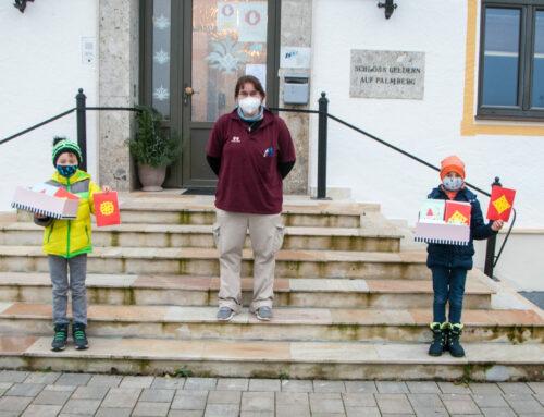 Grundschüler überbrachten Weihnachtspost für Senioren im Schloss Geldern