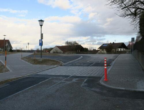 Verkehrssicherheit für Fußgänger an Schule und Kita in Oberbergkirchen erheblich verbessert