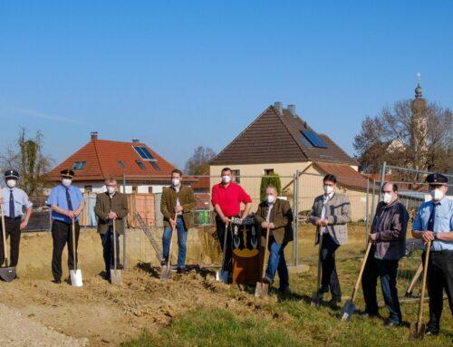 Spatenstich für neues Feuerwehrhaus in Schönberg