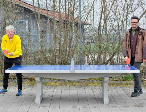 Zangberg wurde im Allwetter-Tischtennisplatte bereichert
