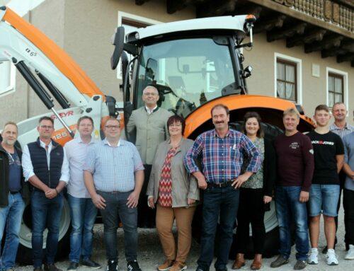 Oberbergkirchner Bauhof erhielt neuen Kommunaltraktor